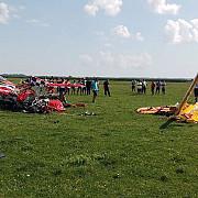 doua avioane de mici dimensiuni s-au ciocnit la antrenamenteunul din piloti a murit