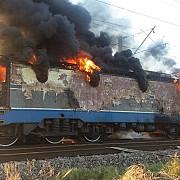 locomotiva unui tren de marfa plin cu benzina si motorina a luat foc in apropiere de ploiesti