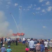 campionatul mondial de acrobatie cu avionul si-a inchis portile cu un miting aviatic de exceptie foto video