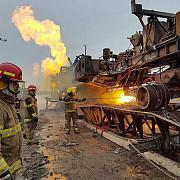 suprastructura metalica a sondei care arde de doua saptamani in satu mare a fost indepartata