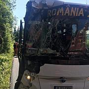 autocarul loturilor de beach-handball juniori ale romaniei implicat intr-un accident rutier in muntenegru dedu nu e nimeni grav