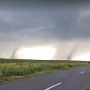 tornade in judetul galati gospodarii si strazi inundate in mai multe localitati video
