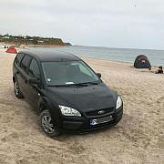 un tanar din prahova a parcat masina pe plaja din vama veche amenda colosala data de politie - foto