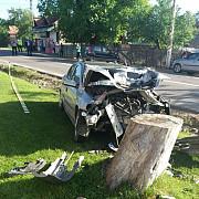maneciu doi copii loviti de o masina care a iesit de pe carosabil unul dintre ei este in coma video