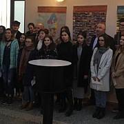 elevii colegiului de arta carmen sylva ploiesti premiati de primarie foto video