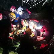 interventie dramatica isu prahova - salvamont barbat cazut in prapastie in muntii baiului