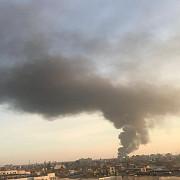 incendiu puternic la un depozit de mase plastice din zona de sud a ploiestiului