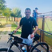 spectator inedit la meciul prahova ploiesti de la strejnicu ministrul radu oprea a venit la stadion pe bicicleta