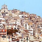 doua orase din italia vand case cu 1 euro cum poti sa te muti in paradisul de la mediterana