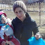 alerta in prahova o femeie de 27 de ani si fiul ei de 2 ani au disparut in drum spre biserica