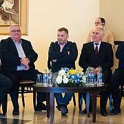 primarul dobre pierde si minoritatea consilierii pnl renunta la mandat si se inscriu in alde