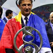 razvan lucescu a castigat liga campionilor asiei al hilal primul trofeu dupa 19 ani si un record stabilit de roman