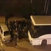 foto scandal in centrul pitestiului mai multi suporteri ai petrolului retinuti de politisti