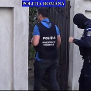 doi elevi ai scolii de politie de la campina prinsi cu droguri