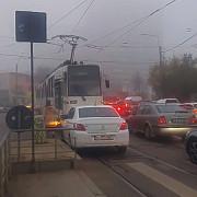 video o soferita din bucuresti care depasea pe linia de tramvai a produs clipul anului