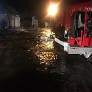 foto video 130 de persoane evacuate din 30 de gospodarii la azuga