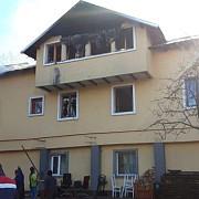 foto video incendiu la casa parohiala a bisericii vechi din valea screzii
