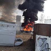 foto video incendiu la bucov nor toxic dupa ce o masina incarcata cu baterii a luat foc