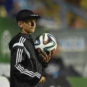 frf suspenda participarea minorilor la meciuri din postura de copii de mingi