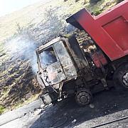 foto video camion in flacari la sinaia pe drumul spre pestera