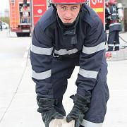 exista super-eroi pompierul constantin popa ingerul pazitor al unui biciclist ranit grav in prahova