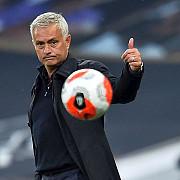 jose mourinho vine la ploiesti botosani - tottenham pe stadionul ilie oana