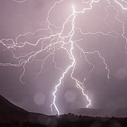 cod rosu de furtuna pentru sinaia si busteni