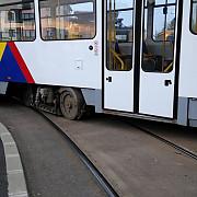 un tramvai deraiat a lovit un autoturism la ploiesti