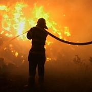 incendiu violent in ploiesti ard doua locuinte