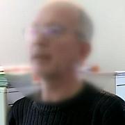 inca un medic fals in romania descoperit de o echipa digi24 barbatul este de fapt un programator it