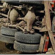 trafic blocat pe dn1a tir rasturnat in zona babarunca