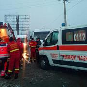 22 de persoane implicate intr-un accident intre un microbuz si o autoutilitara la banesti