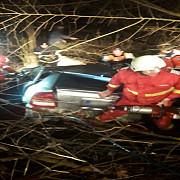 accident in prahova un tanar fara permis a intrat cu masina intr-un copac