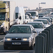 coloana de camioane de sapte kilometri in vama nadlac ii dupa ce ungaria a ridicat restrictia pentru traficul greu