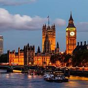 bilantul covid-19 in marea britanie se apropie de 43000 de morti arata oficiul national britanic de statistica si sporeste presiunile asupra lui johnson pe tema gestionarii pandemie