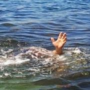 un preot s-a inecat dupa ce a vrut sa mearga pe apa ca iisus