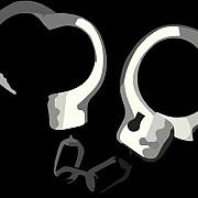 un profesor din gorj este in arest la domiciliu dupa ce si-a abuzat o eleva