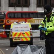 marea britanie un atacator a impuscat mortal cinci oameni intre care un copil de zece ani iar apoi s-a sinucis