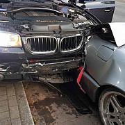 romani atacati in stil mafiot in germania doi dintre ei au fost injunghiati in masina