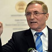 cererea de pensionare a lui augustin lazar a fost aprobata