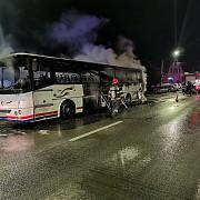 un autocar care transporta 30 de persoane a luat foc in ce stare se afla pasagerii
