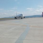 probleme pentru un avion care a aterizat de urgenta la iasi a fost activat planul rosu de interventie