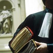profesia de avocat modificata de senat amenintarea sau jignirea avocatului pedepsite cu inchisoare