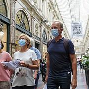 toate barurile cafenelele si salile de evenimente din bruxelles vor fi inchise pentru o luna incepand de maine dimineata dupa cresterea numarului de cazuri noi de coronavirus