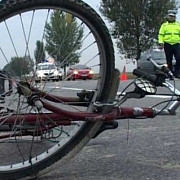 biciclist ametit de alcool lovit de o masina pe dn1 la tatarani