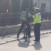 politia rutiera prahova atenta la biciclisti soferi bauti si depasiri neregulamentare