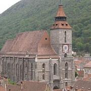 recordurile bisericii negre din brasov cel mai vizitat lacas de cult cel mai mare din europa de est si cel mai fotografiat obiectiv turistic al romaniei