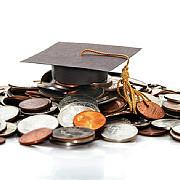 casa regala a oferit burse de studii unor studenti moldoveni si a decorat un liceu din republica moldova