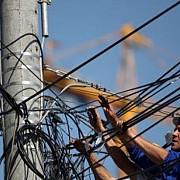 amenzi pentru proprietarii cablurilor atarnate pe stalpii din ploiesti