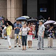 e iadul pe pamant in japonia 77 de morti si zeci de mii de oameni spitalizati din cauza caldurii extreme